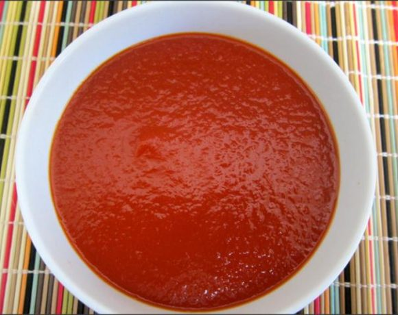 Easy Homemade Tomato Ketchup Recipe