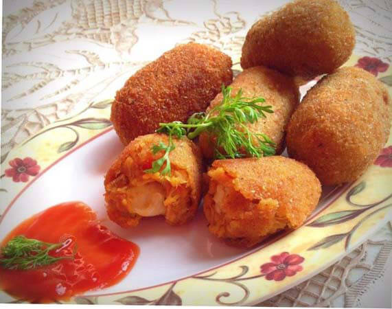 Spicy Chicken and Cheese Croquettes
