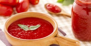 How to Make Tomato Puree at Home