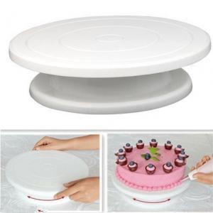 Cake-decorting-stand
